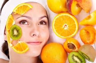 Wie können Sie natürliche Bräune bekommen? Körperöle, Vitamine, Obst und Gemüse.