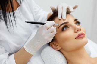 Henna für Wimpern und Augenbrauen: worin besteht dieser Eingriff? Vorteile und Gegenanzeigen