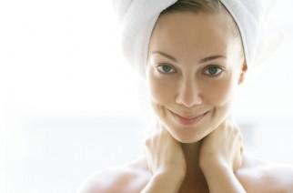 Vitamine für reife Haut. Was ist in Anti Aging Cremes zu suchen?