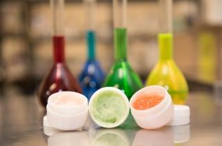 Warum hilft es nicht, Inhaltsstoffe von Kosmetikprodukten vor der Wahl zu lesen?
