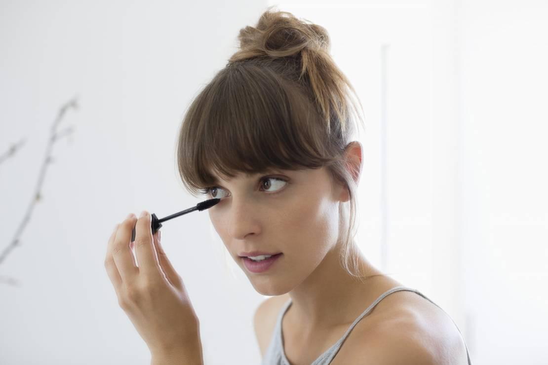 Welche Kosmetik ist sicher für Augen? Sensible Augen schminken und abschminken