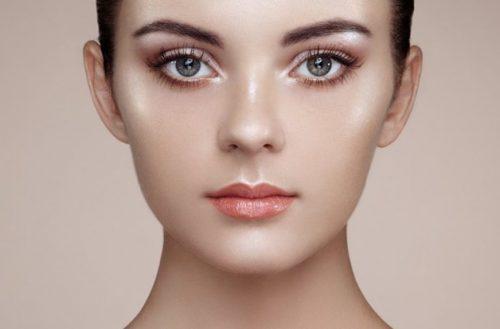Die beste Foundation für ein makelloses Make-up: Die TOP 5 Produkte